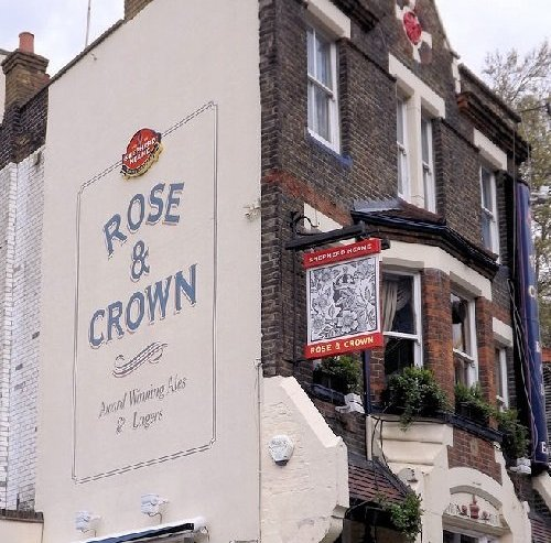 Rose & Crown Live Music Venue In London