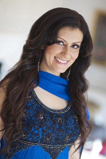 Female Bollywood Vocalist