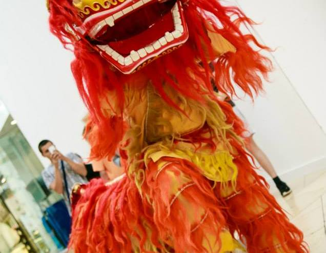 Looking-Good-Chinese-Lion-Dragon-London