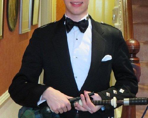 Solo Bagpiper For Recitals, Weddings & Events In London