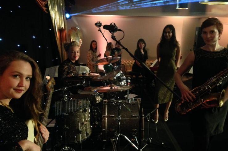 Quintet-All-Girls-Jazz-Swing-Band2