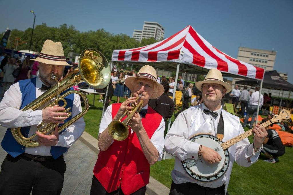 Busking-Band-London-Merchant-Square-Brass-Banjo