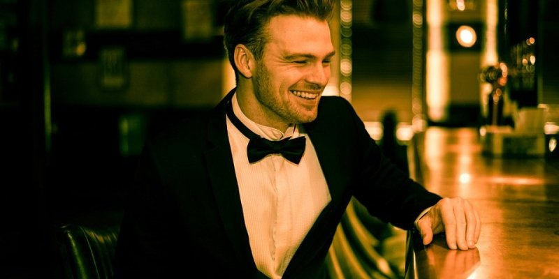 Book A Solo Jazz And Swing Vocalist in London - Music for London