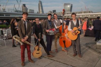 Acoustic Roaming Musicians @ Rabobank London