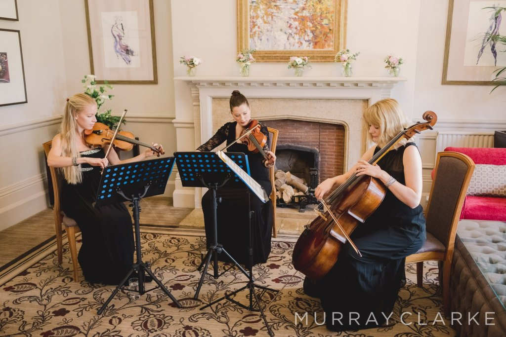 This image has an empty alt attribute; its file name is Wedding-String-Trio-Ensemble-London-1024x683.jpg