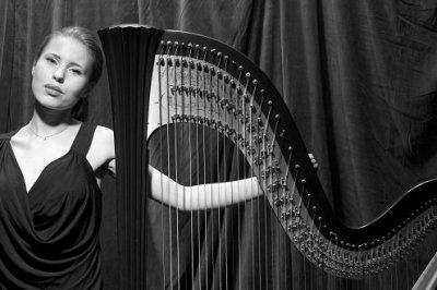 Lilia Harpist - Solo Musician In London