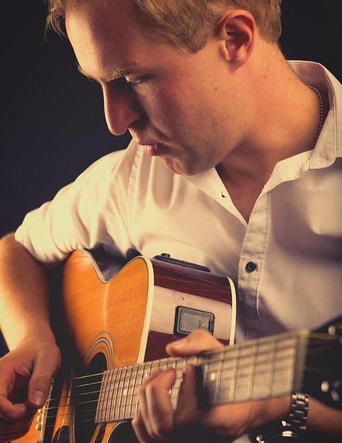 Solo Jazz Acoustic Artist In London