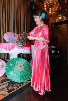 Chinese Magician Umbrella Tricks