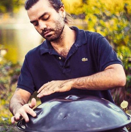 Handpan Player in London Hand Pan