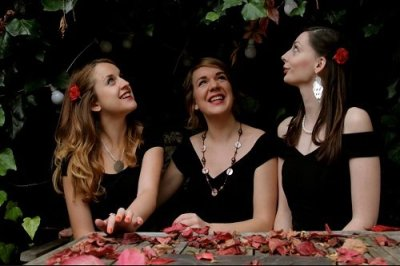 Book A Vintage Swing Trio in London - Music for London