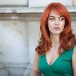 Hire The Scarlet Diva - Mezzo Soprano Vocalist in London - Music for London