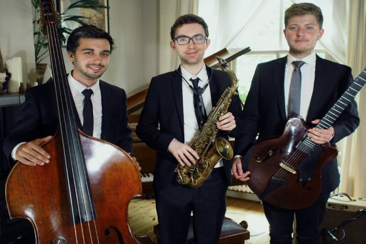 Book A Jazz Swing Trio in London - Music for London