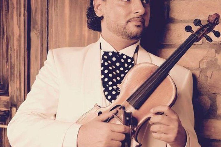 Book A Professional Solo Violinist in London - Music for London