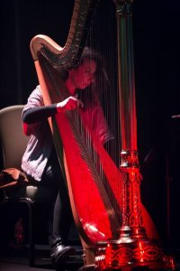 Beautiful-London-Harpist