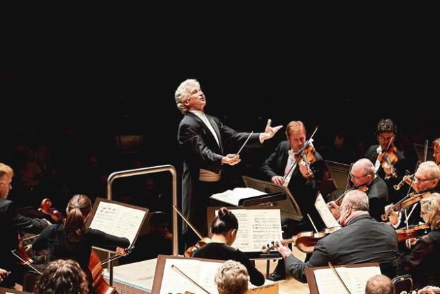 Oundjian takes creative helm at Colorado Music Festival