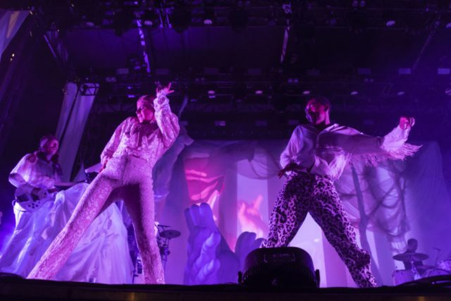 Swedish Pop Star Robyn's Pitchfork Set Left No One Dancing Alone