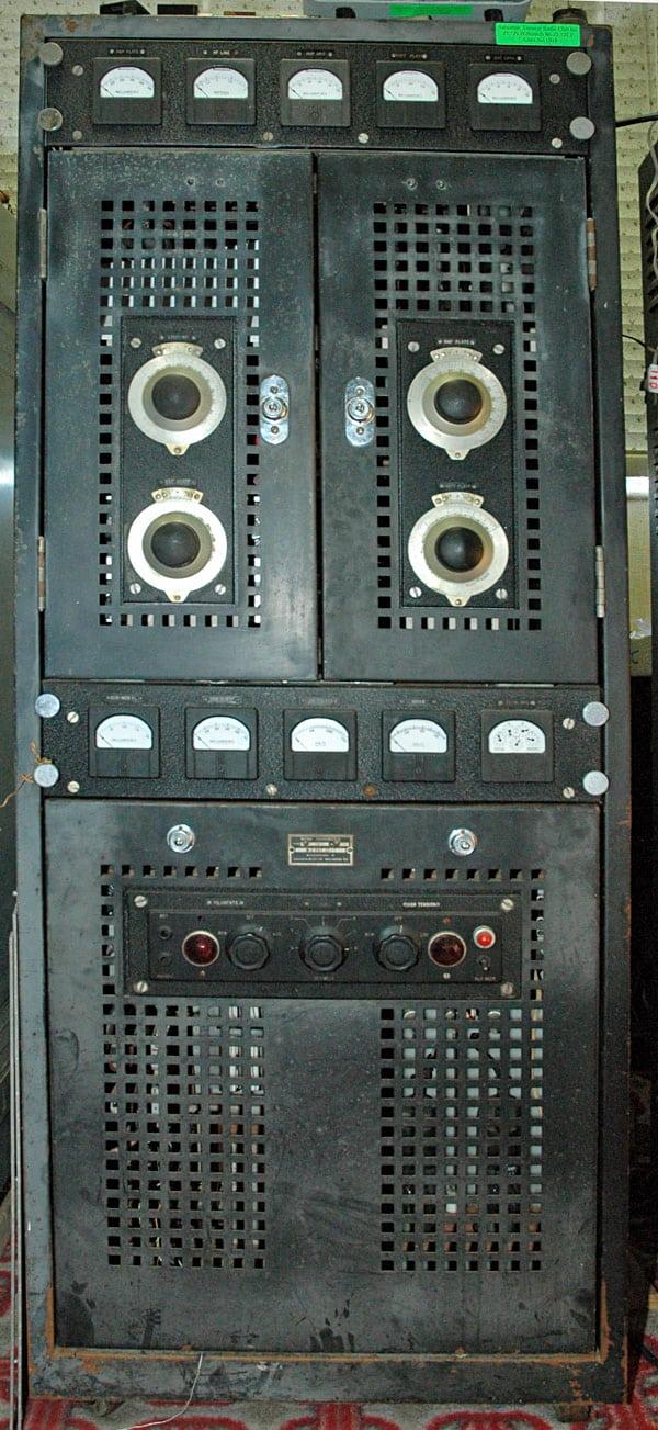 Collier & Beale 873 radio transmitter