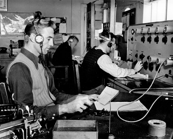 Operators at Auckland Radio ZLD, probably in the 1940s