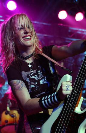 Vixen Interview | Bassist Share Pedersen talks Contraband