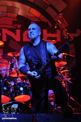 Jeff Dunn mantas guitarist