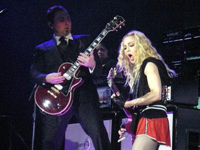 Monte Pittman Interview: Madonna's Guitarist (2012-02-09)