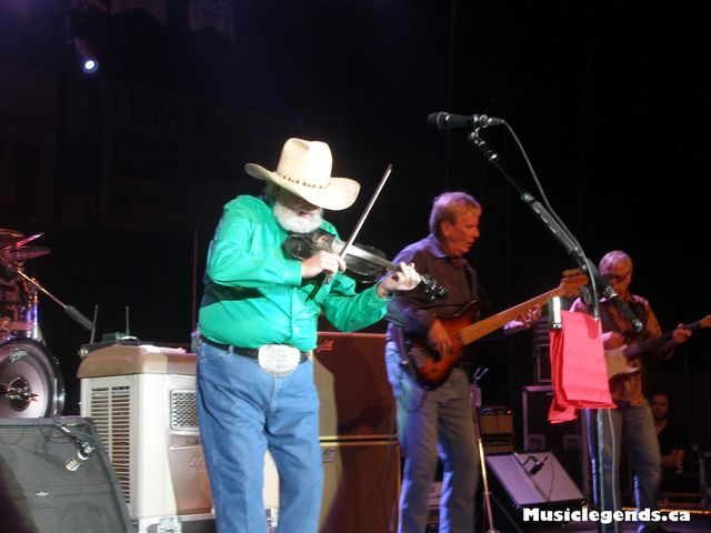 charlie daniels band halifax forum live with bass player