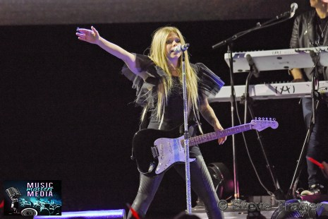 AVRIL LAVIGNE IN CONCERT XCITE CENTER OCT.10 ,2019 BENSALEM PA005_001