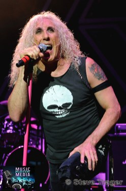 DEE SNYDER - TWISTED SISTER 2013