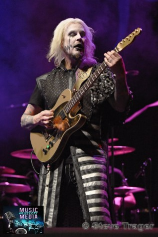 JOHN 5 PERFORMING LIVE AT THE KESWICK THEATRE, GLENDSIDE PA.003