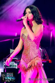 SELENA GOMEZ 2011 08