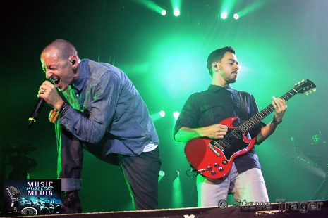 LINKIN PARK LIVE DURING THEIR HEADLINER TOUR IN 2012 13