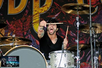 POP EVIL 93.3 WMMRBQ 2012 SUSQUEHANNA BANK CENTER CAMDEN NEW JERSEY 03