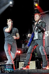 SHINEDOWN 93.3 WMMRBQ 2012 SUSQUEHANNA BANK CENTER CAMDEN NEW JERSEY 01
