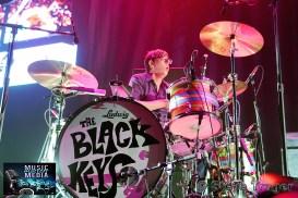 THE BLACK KEYS 2014 WELLS FARGO CENTER PHILADELPHIA PA 02