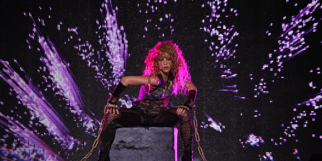Shakira Kicked Off Her North American Tour In Chicago