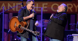 Gene Watson; Photo Credit: Chris Hollo for Grand Ole Opry