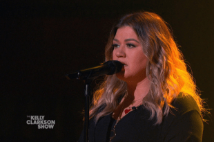 Kelly Clarkson; Photo by NBC