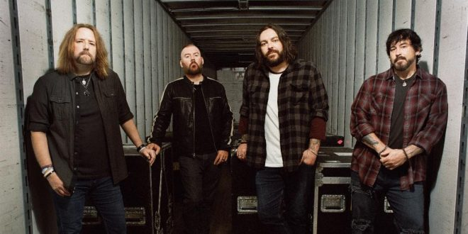Seether; Photo by Laura E. Partain
