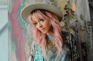 Lindsey Stirling; Photo by Sydney Takeshta