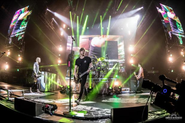 5 Seconds Of Summer - Sounds Live Feels Live 2016