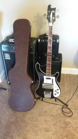 Rickenbacker bass [Suntech] & case