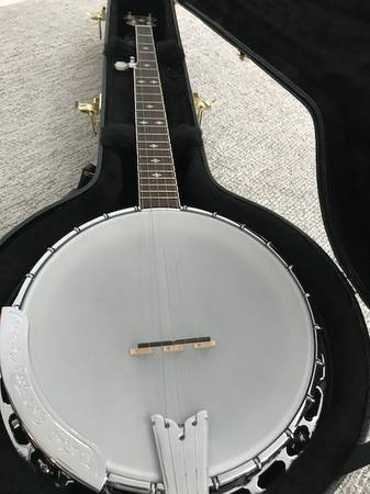 GOLD TONE Banjo For Sale – Used only a few times!