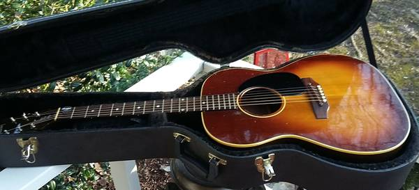 Gibson B25 Acoustic Guitar