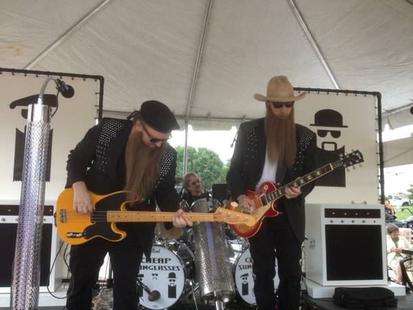 Looking for Dusty Hill! (bass/vocals)