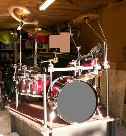 1 Set of DW Drums, Classic, 5 Pieces, Rack, Drum Cases