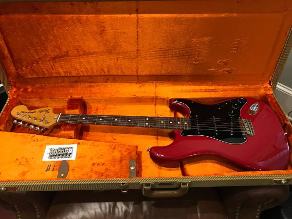 1981 Fender Stratocaster Hardtail w / HSC