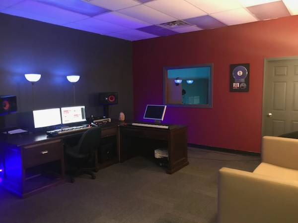 Recording Studio – $50/Hour – Singers/Rappers/Bands/Podcasts 24 Hours