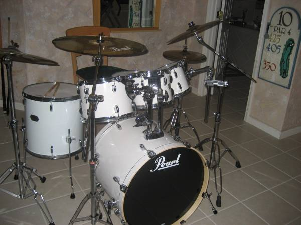 6pcs Pearl Export Set in Pure White with Stands and Cymbals