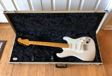 2011 Fender Eric Johnson Signature Stratocaster White Blonde w/OHSC