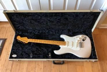 2011 Fender Eric Johnson Signature Stratocaster White Blonde w/OHSC